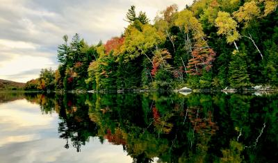 Fall colors of the Adirondacks in northeastern New York, on Sept. 25, 2019. Courtesy photo by Emily de Vinck.